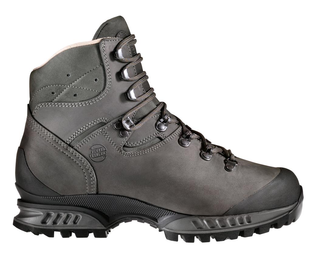 Výroba topánok Hanwag 6579ea2852f